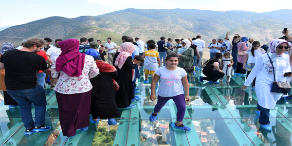 TURİZM'DE BAYRAM BEREKETİ